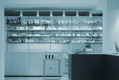 Robot Farmacia Eredi Francia dott.ssa Carella - esterno