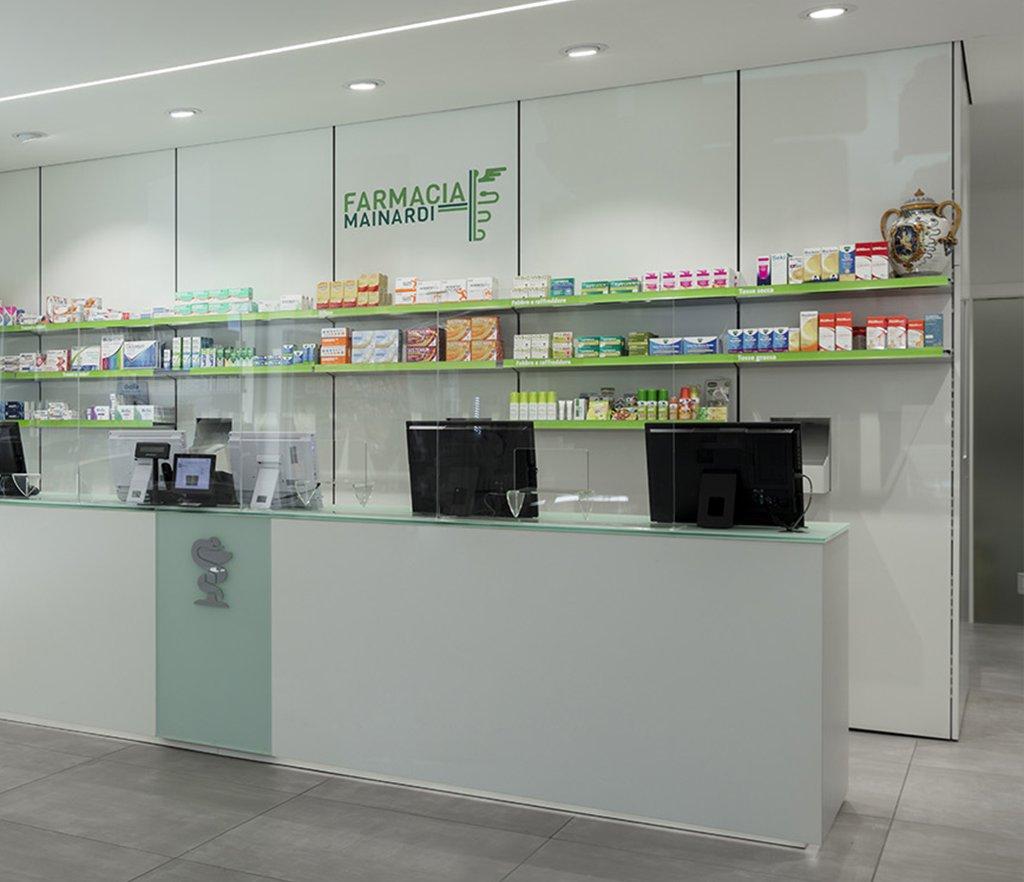 Robot farmacia Mainardi, Bari - vista retrobanco