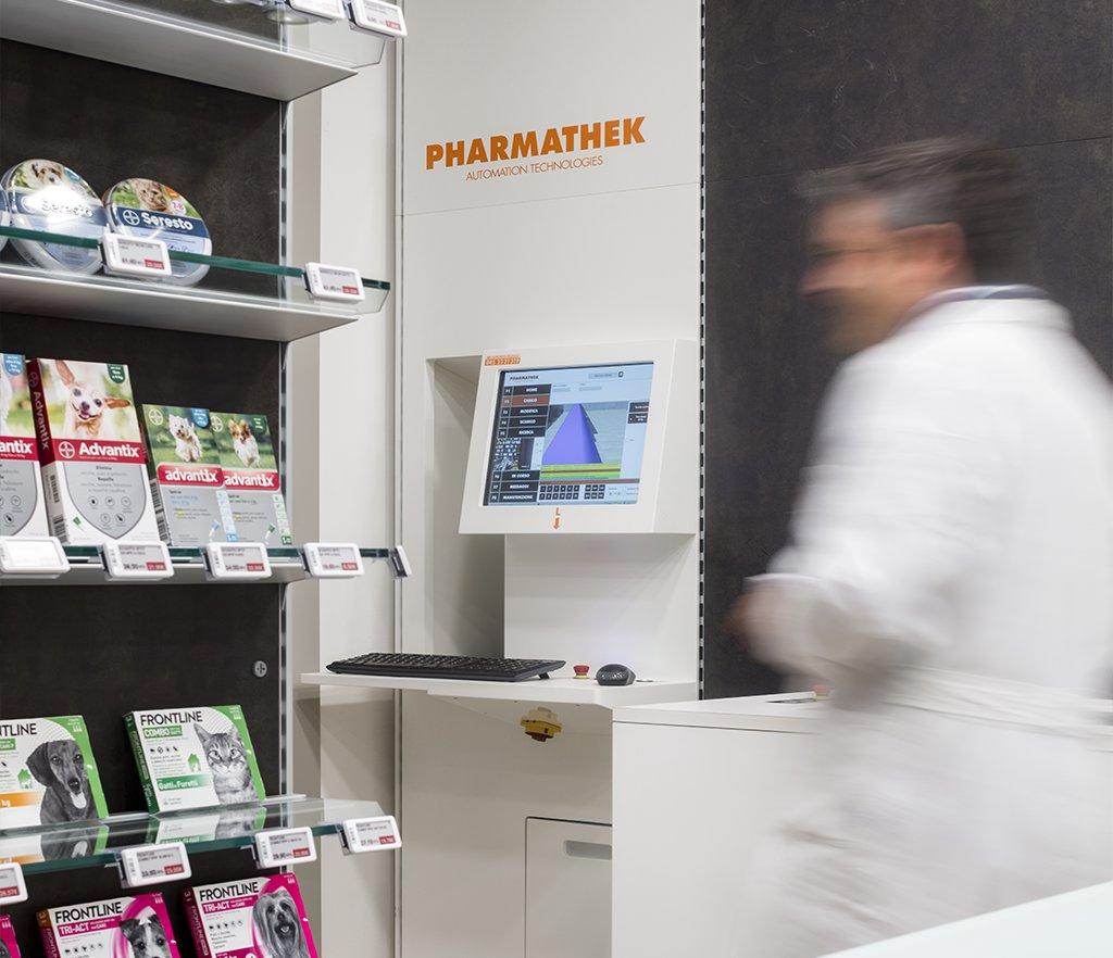 Robot Farmacia Santa Rita dott. Vassalli, Foggia - postazione operatore